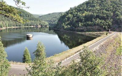 Proč je sezónně zavřená cesta okolo Jirkovské přehrady?